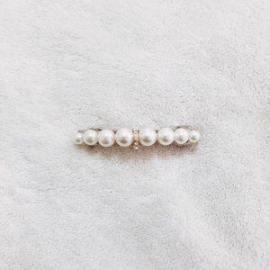 Pearl hair barette